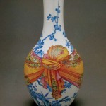 Multicolored blue-and-white vase from the Qing Dynasty, collected in Museum Guimet, France.